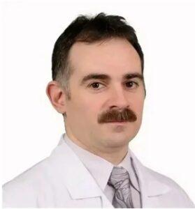 Маркаров Арнольд Эдуардович - главный врач