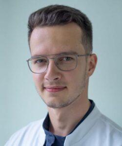 Проскуряков Иван Владиславович врач
